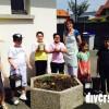 Mme Estienne et ses élèves de l'Ecole des Autos à Audincourt