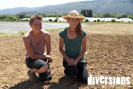 Adeline et Mélie, deux des trois maraîchers en pépinière à Graines de Marapîchers, à Chalezeule