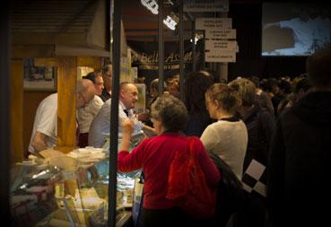Le Cercle des Jurapicuriens fait la promotion des savoir-faire régionaux, comme ici au Salon de la gastronomie à Strasbourg en mars 2014