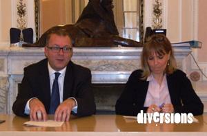 Le maire de Belfort Damien Meslot et Florence Besancenot, adjointe au commerce ont présenté le bilan du Mois Givré 2015