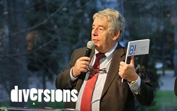Jean-Louis Fousseret hier soir lors du lancement du magazine B! à l'Office de Tourisme de Besançon