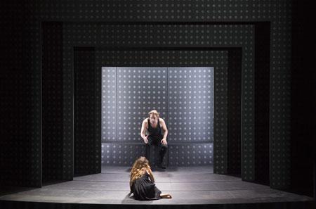 Photo : Monika Rittershaus – Komische Oper Berlin